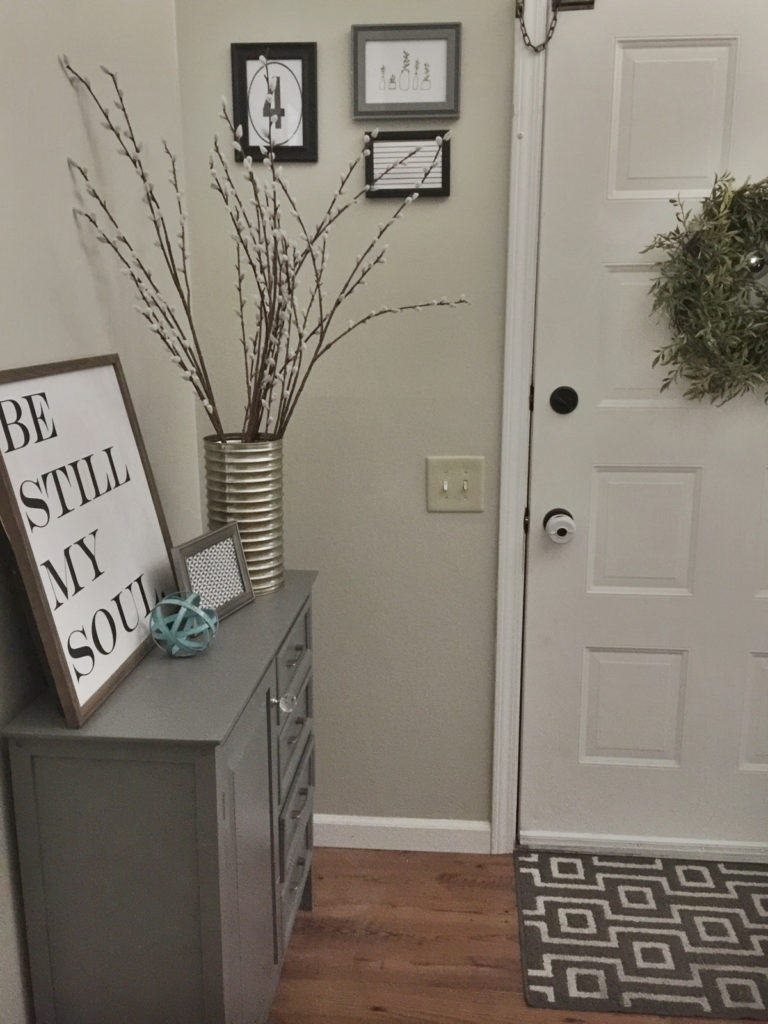 How to decorate a small entryway small entryway ideas small entryway decor small