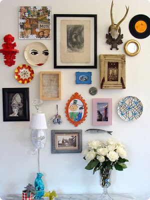 Up your gallery wall game with these 40 amazing gallery wall ideas.  Do you need a layout idea for your living room?  Or behind your couch?  How about in the bathroom?  I've got you covered!