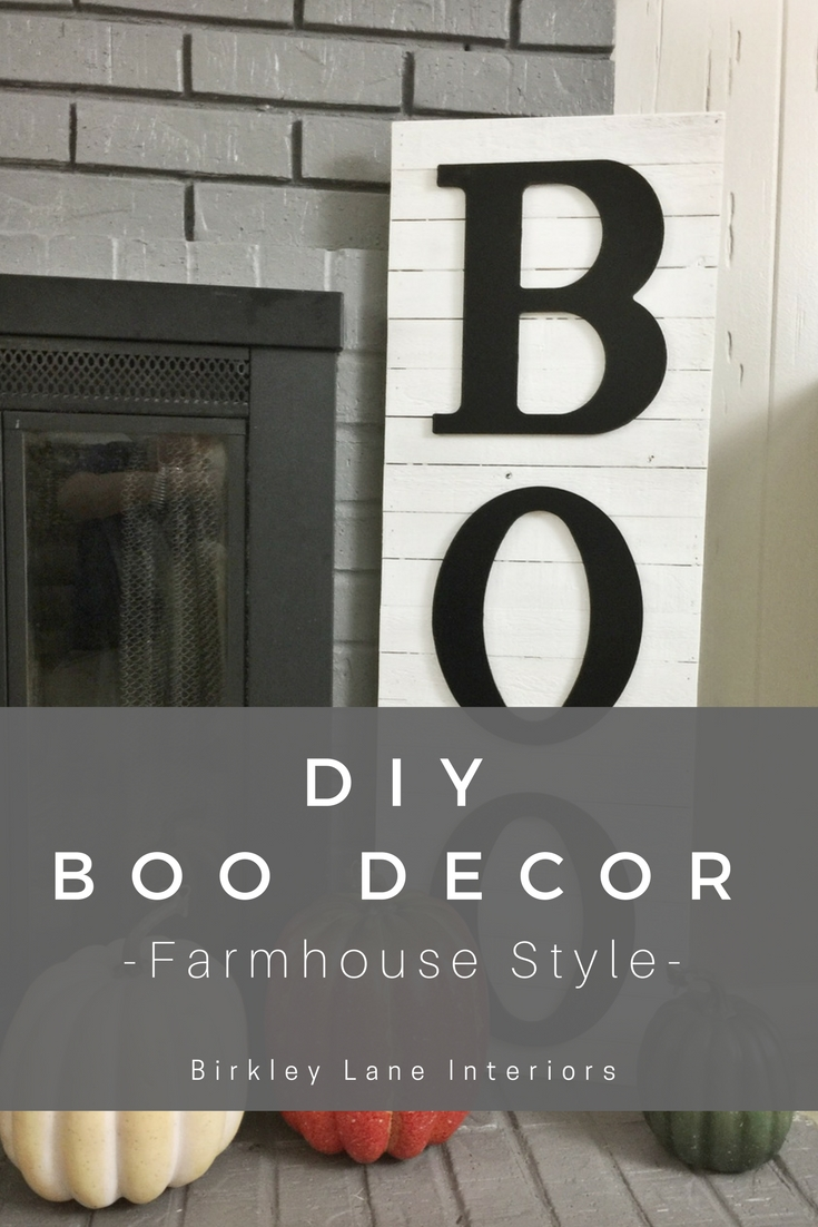 Looking for some elegant Halloween home decor? Get the farmhouse look with this DIY Halloween BOO decor and instantly update your style! #halloween #halloweendecor #fall #diy #craft #farmhousedecor