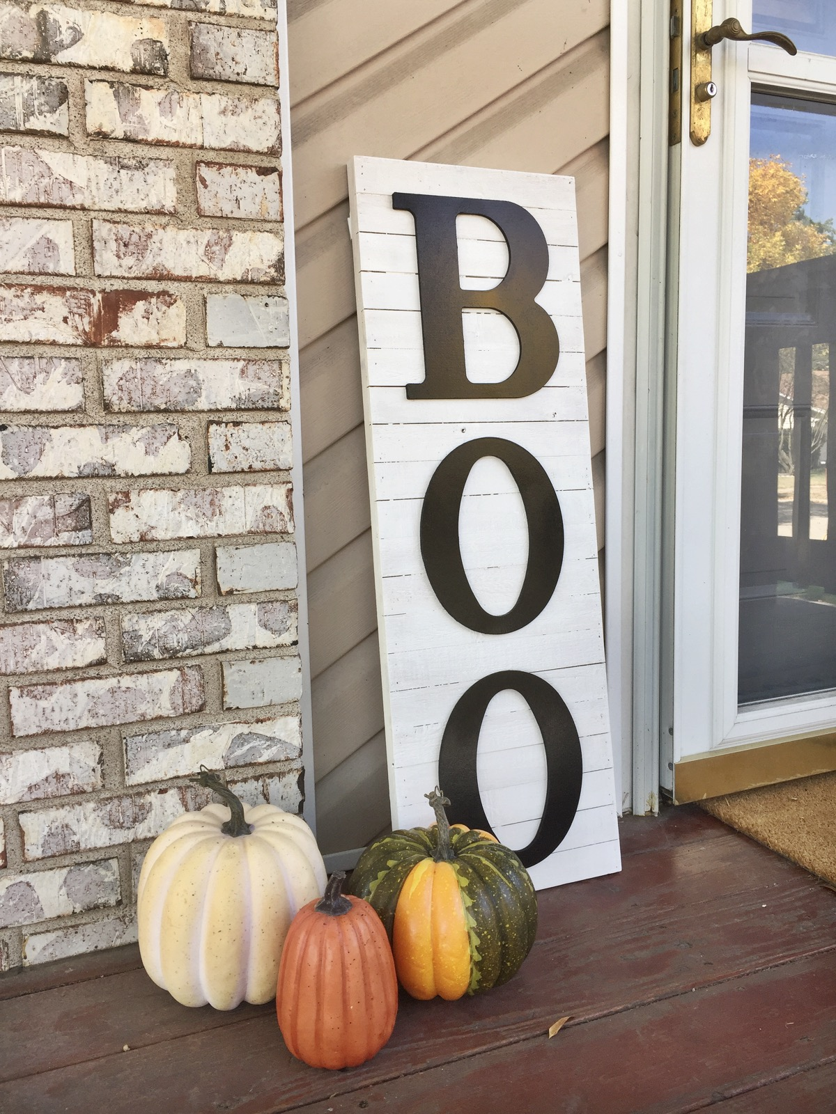 looking for some elegant halloween home decor get the farmhouse look with this diy halloween