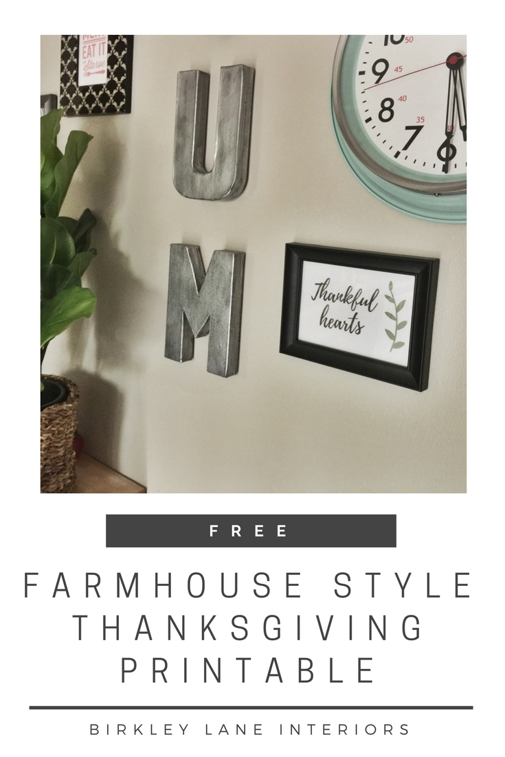Easily decorate for Thanksgiving this November with this elegant farmhouse style Thanksgiving printable!  It's free and it's a quick and stylish decoration that will bring the Thanksgiving season home! #thanksgiving #printable #freeprintable #homedecor #farmhouse